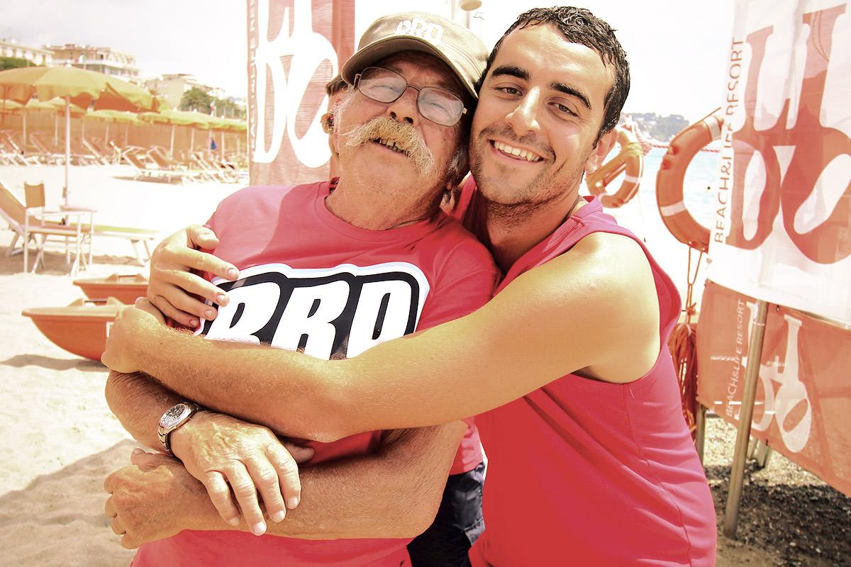 Zio Angelo e Fabio: lo staff multi-generazionale del Lido Beach
