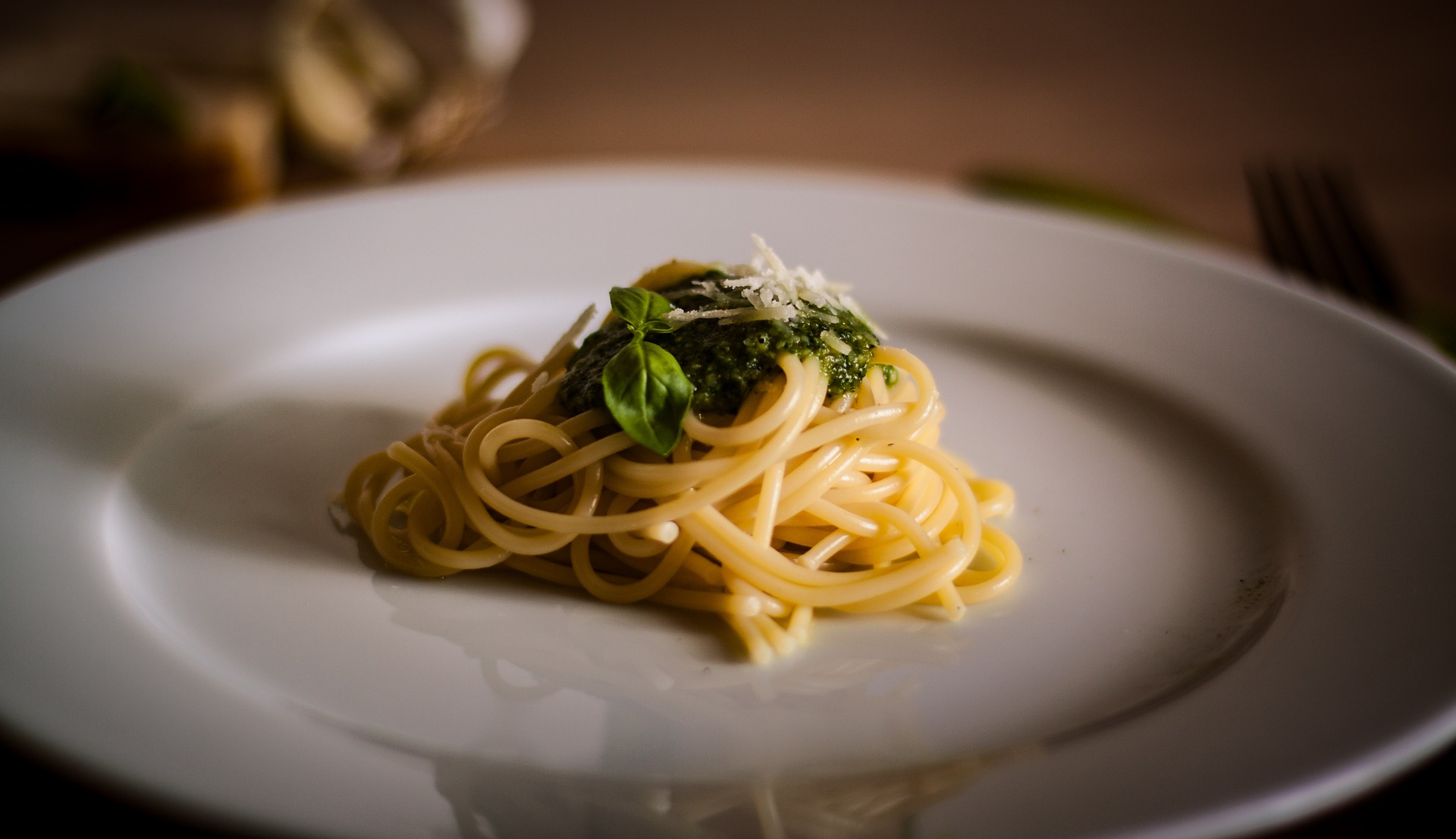 Pasta lunga, pasta corta, trofie o gnocchi di patate: marimonio perfetto con il Pesto